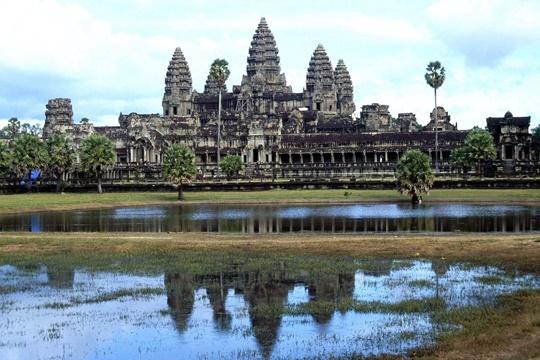 นครวัด (Angkor) – กัมพูชา