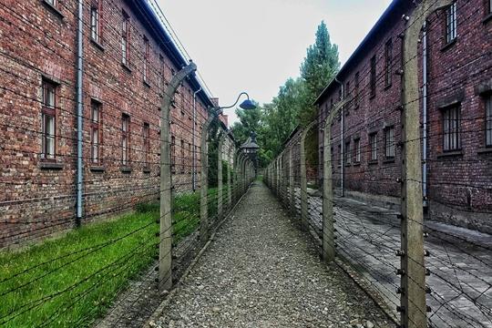 พิพิธภัณฑ์รัฐเอาชวิทซ์-เบียร์เคเนา (Auschwitz-Birkenau State Museum)