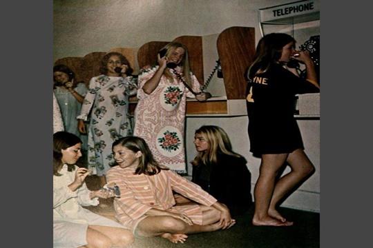 การติดต่อหาครอบครัว ช่วงปี 1970