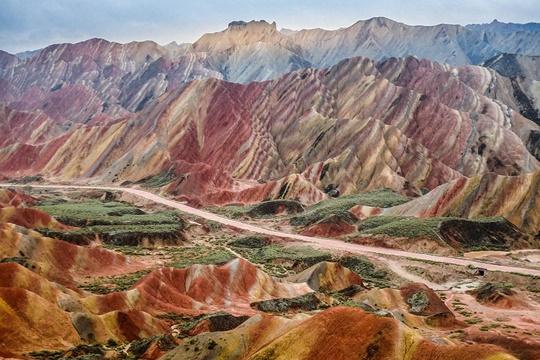 ภูเขาสายรุ้งตันเซี๋ย (China Danxia) – จีน