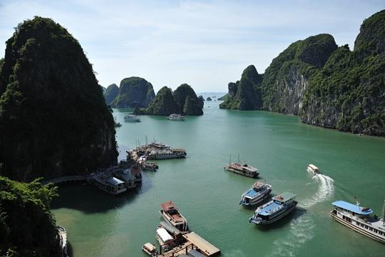 อ่าวฮาลอง (Ha Long Bay) – เวียดนาม