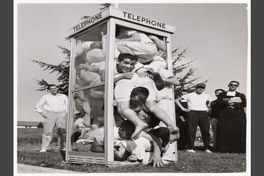 ตู้โทรศัพท์เกินพิกัด ทศวรรษ 1950