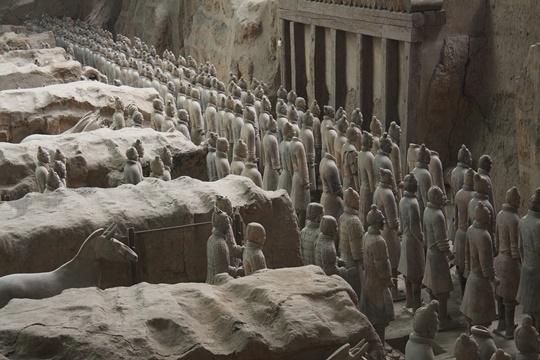 พิพิธภัณฑ์สุสานกองทัพทหารดินเผาของจิ๋นซีฮ่องเต้ (The Museum of Qin Terracotta Warriors and Horses)