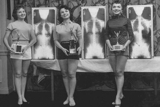 เจ้าแม่แห่งการโพสท่า ปี 1956