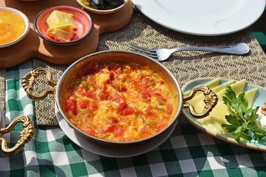 Menemen อาหารเช้าสไตล์ตุรกี